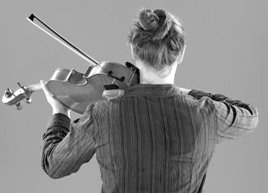 Violist Sheila Browne demonstrates balanced use of the shoulders. (c) Gerald Klickstein
